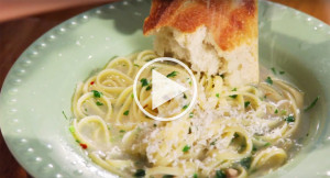 Linguine-and-Clam-Sauce-Pasta-Dinner